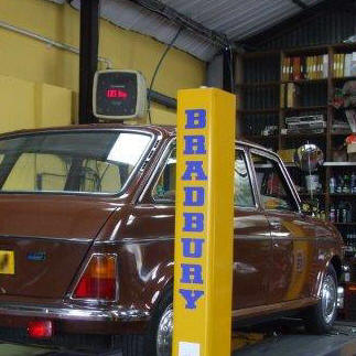 brown Austin Maxi on ramps